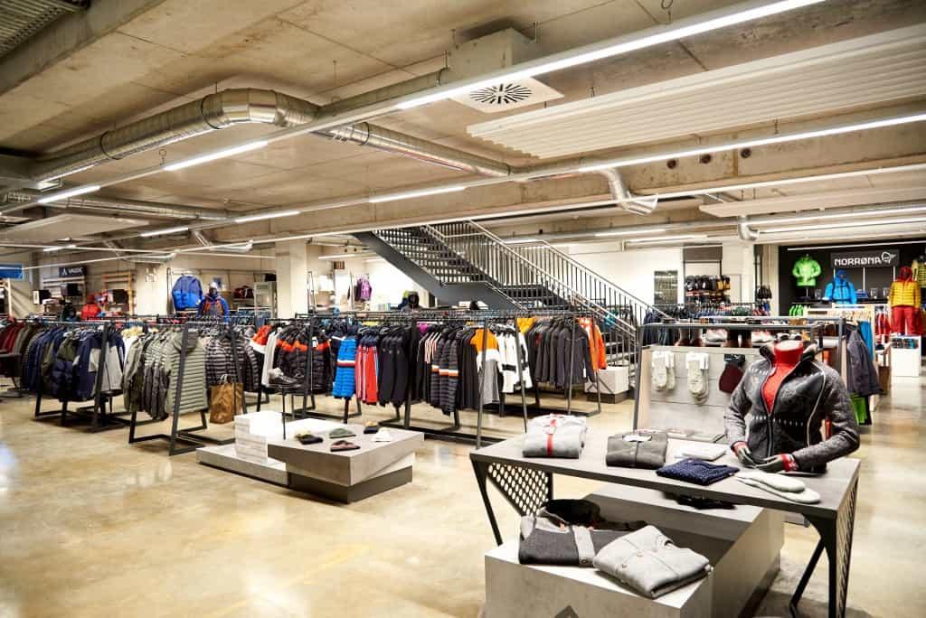 Das Einzelhandelsgeschäft von eXXpozed bietet hochwertige Ausrüstung und Kleidung für Outdoor- und Extremsportarten